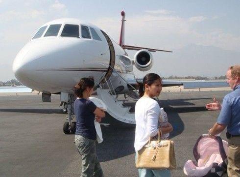 赵本山成龙范冰冰 盘点有私人飞机十大明星